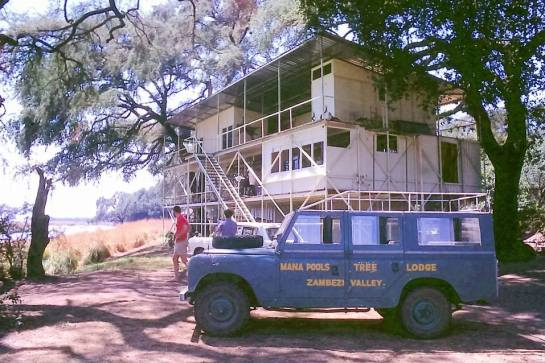 Mana Pools treetop lodge 1964 1